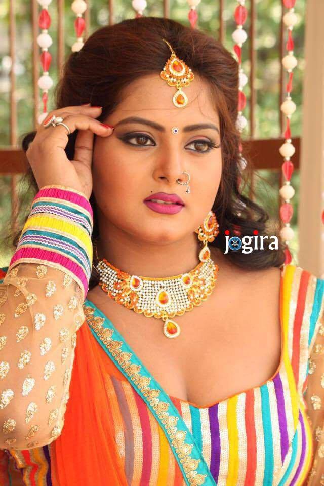http://www.jogira.com/wp-content/uploads/2016/12/hot-and-sexy-bhojpuri-actress-anjana-singh.jpg