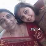 kajal raghwani with mother jogira