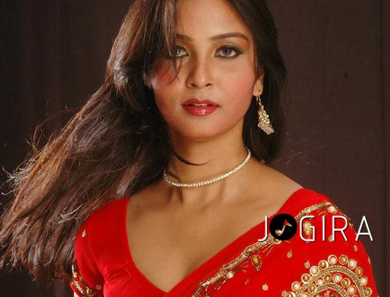 Bhojpuri hot actress Mohini Ghosh