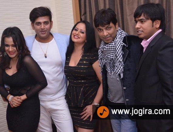 Bhojpuri actor Ravi kishan and Gunjan pant