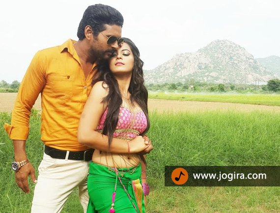 bhojpuri actor yash kumar in romantic style