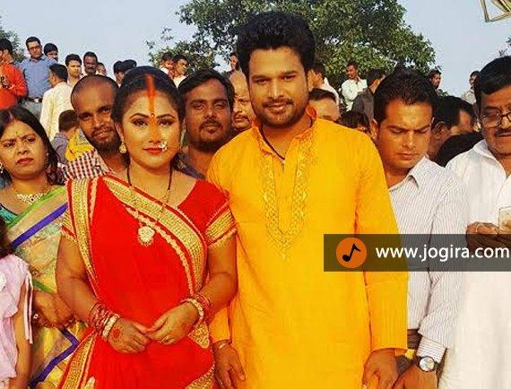 bhojpuri actress priyanka pandit celebrating chhath