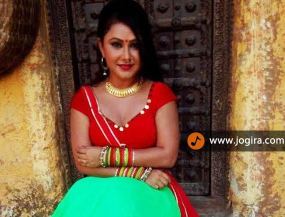 bhojpuri actress priyanka pandit in nepal