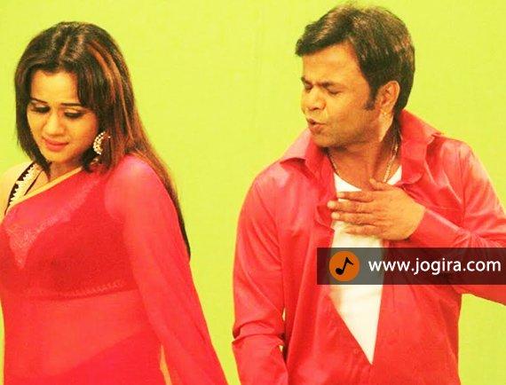gunjan pant and rajpal yadav.jpg