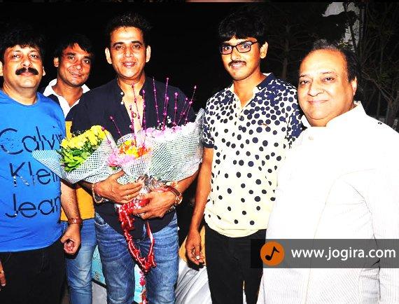 producer dinesh tiwari with ravi kishan