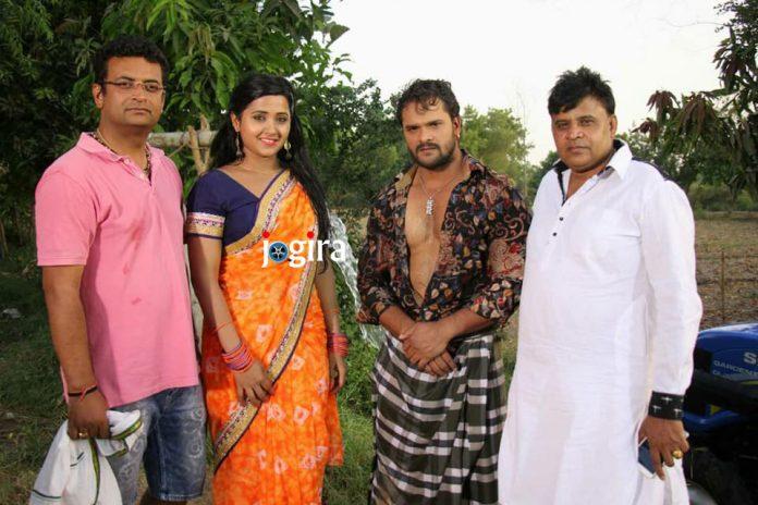 खेसारीलाल यादव और काजल राघवानी भोजपुरी फिल्म मैं सेहरा बांध के आउंगा में