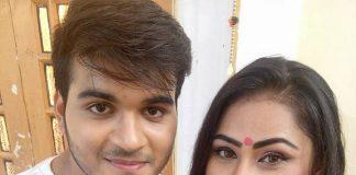 Arvind Akela Kallu and Priyanka Pandit together in Bhojpuri movie Awara Balam