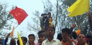 खेसारीलाल यादव के लिए काजल राघवानी का बाइक स्टंट