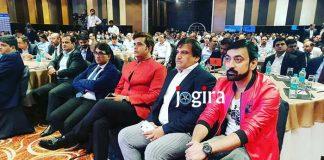 रवि किशन के साथ अनिल काबरा
